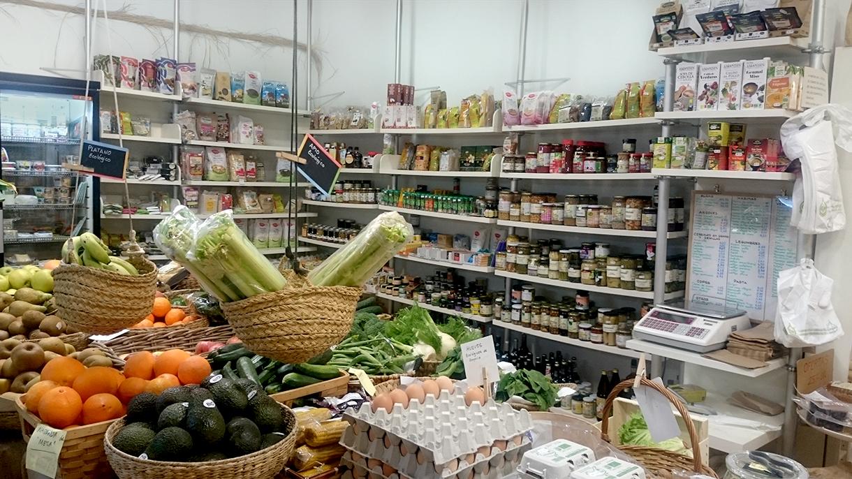 alimentos varios, cereales, frutas, verduras, leche, alimentacion ecologica en premdan ecoespacio